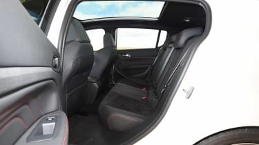 Peugeot 308 GTi - rear seats