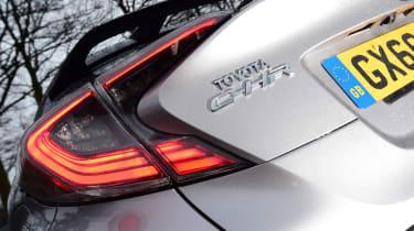 Toyota C-HT 1.2 Icon 2017 - rear light