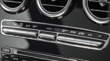 Mercedes GLC 250d 2016 - dashboard buttons