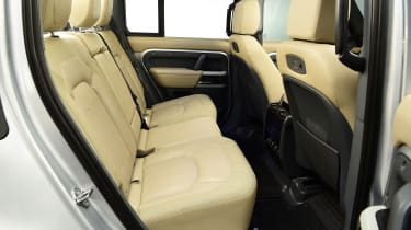 Land Rover Defender - studio rear seats