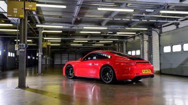 Porsche 911 GTS header