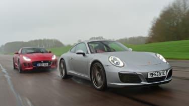 Porsche 911 Carrera S vs Jaguar F-Type R