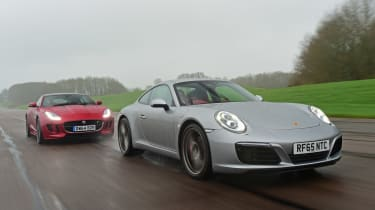 Porsche 911 Carrera S vs Jaguar F-Type R