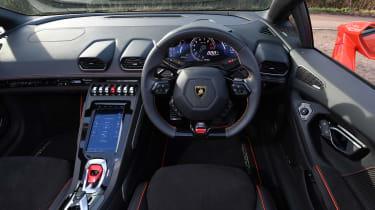 Lamborghini Huracan Evo Spyder - dash
