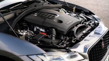 Jaguar F-Pace P400 - engine
