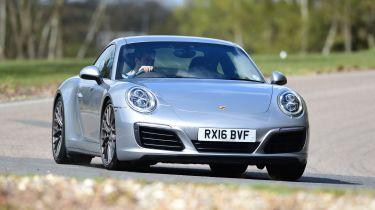 Porsche 911 Carrera 4S 2016 - front cornering