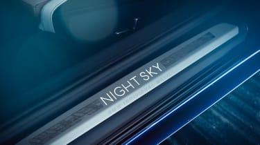 BMW M850i Night Sky - sill