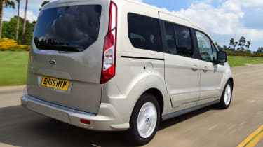 Ford Tourneo Connect 2016 - rear tracking