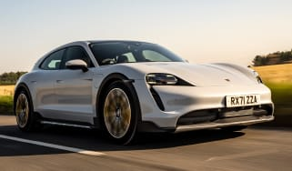 Porsche Taycan 4S Cross Turismo - front