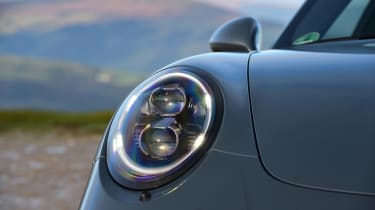 Porsche 911 Carrera 4 GTS - front light