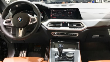 BMW X5 - Paris dash