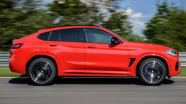 BMW X4 M Competition - side tracking