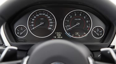 BMW 4 Series Gran Coupe 2014 dials