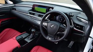 Lexus GS - interior