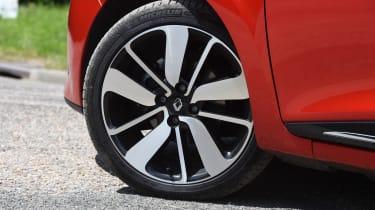 Renault Clio old vs new - Mk4 wheel