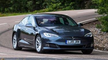 Tesla Model S Long Range - front cornering