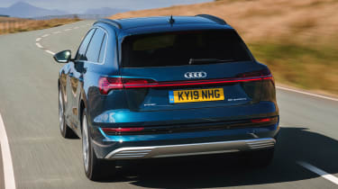 Audi e-tron - rear tracking