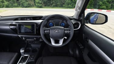 Used Toyota Hilux - dash