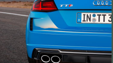 Audi TT S - exhaust