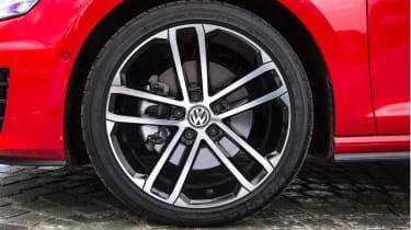 Volkswagen Golf GTD wheels