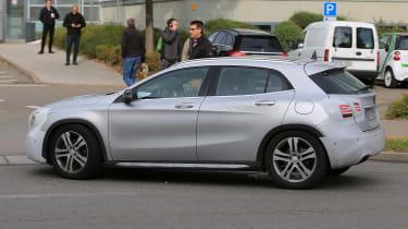 Mercedes GLA facelift 2017 spied 7