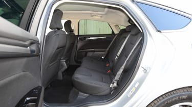 Ford Mondeo - rear seats