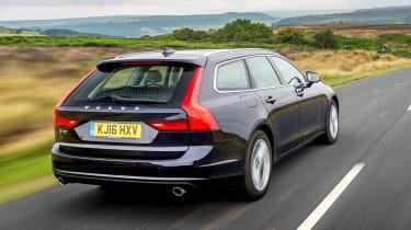 Volvo V90 D5 Momentum - rear tracking