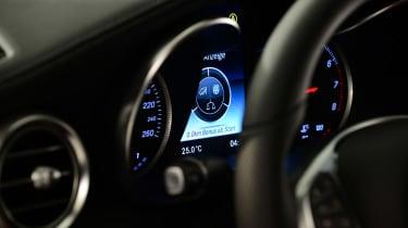 Mercedes C-Class 2014 studio dashboard