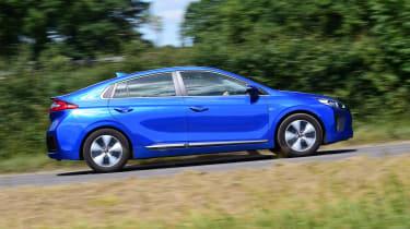 Hyundai Ioniq Plug-in - profile