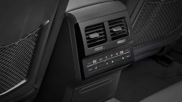 Volkswagen Touareg - rear interior detail