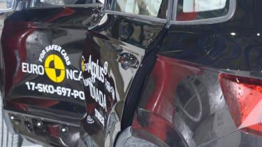 Skoda Karoq - Pole crash test - after crash