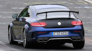 Mercedes-AMG C 63 R - spy shot track rear cornering