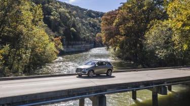 Mercedes GLE bridge