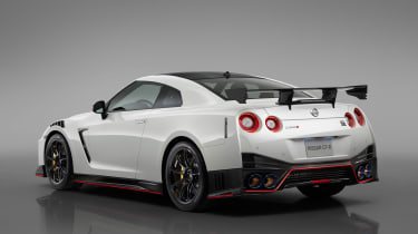 Nissan GT-R NISMO - studio rear