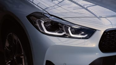 BMW X2 M Mesh Edition - light