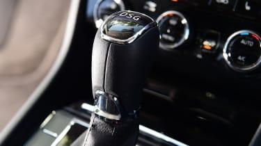 Skoda Superb - gearstick