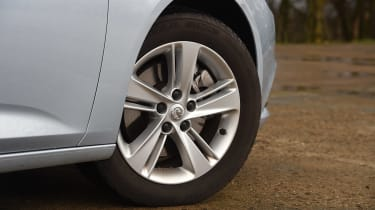 Vauxhall Insignia Sports Tourer - wheels