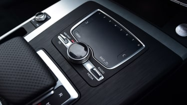 Audi Q5 - pad
