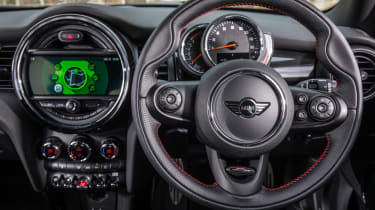 MINI 5 door steering wheel interior
