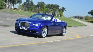 Convertible megatest - Rolls-Royce Dawn - front tracking