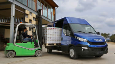 Iveco Daily - loading