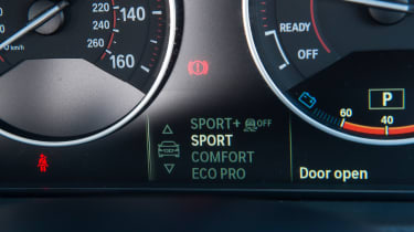 Used BMW 3 Series - dials