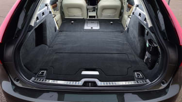 Volvo V90 - boot seats down