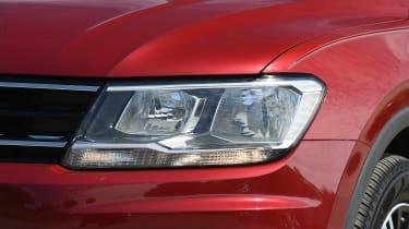 Mazda CX-5 vs Skoda Kodiaq vs VW Tiguan - Volkswagen Tiguan headlight