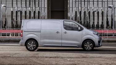 Toyota Proace electric - side