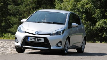Toyota Yaris Hybrid T3 front action