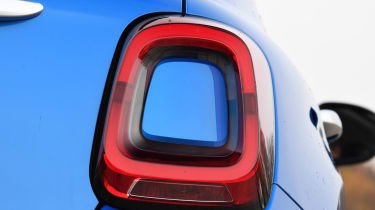 fiat 500x rear light