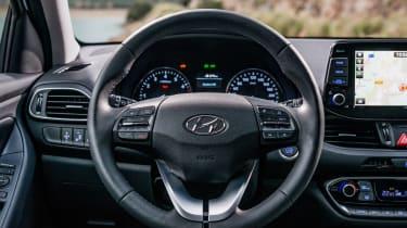 Hyundai i30 Fastback - steering wheel