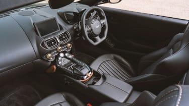 Aston Martin A3 Vantage Roadster - dash