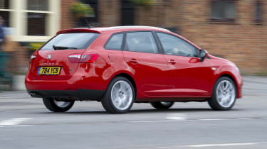 SEAT Ibiza ST rear tracking town